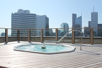 Rooftop Deck / Hot Tub